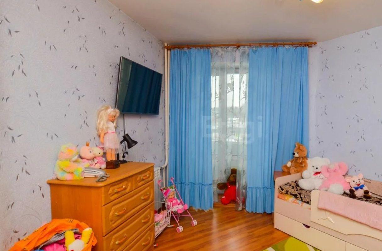 Сколько стоит трехкомнатная квартира в Нахабино на вторичном рынке? Обзор недвижимости объявлений с Авито.