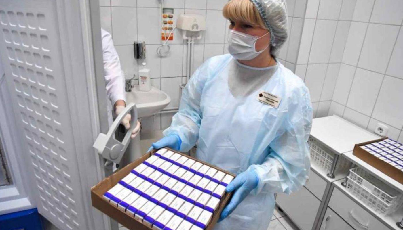 Кому лучше вакцинироваться Спутником Лайт? Рассказываем об особенностях новой вакцины.
