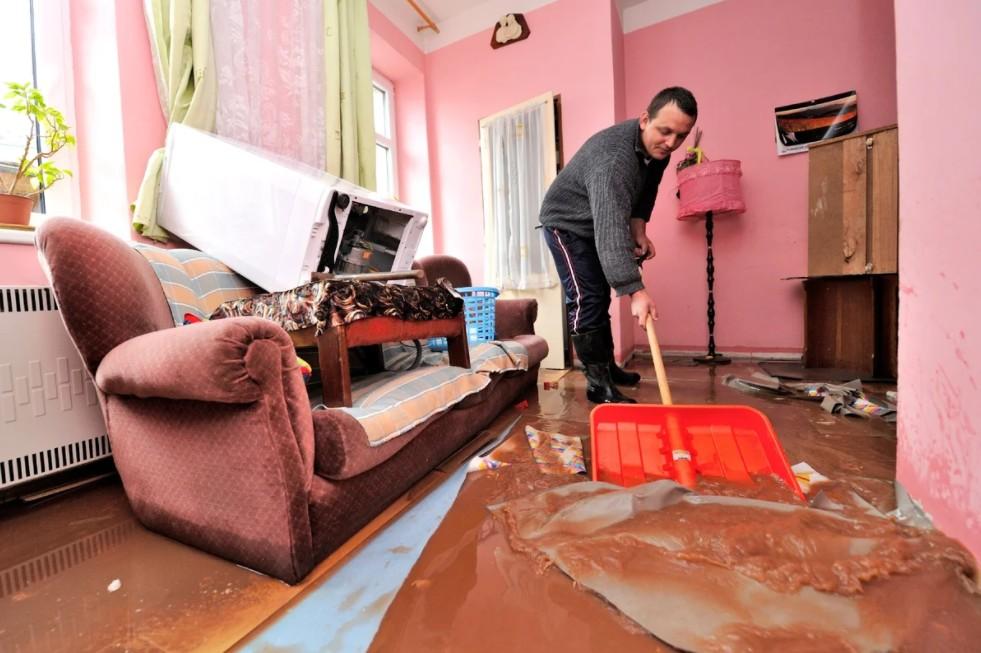 Юрист в Москве по залитию квартиры: взыскание ущерба.