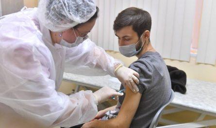 Москва против вакцинации. Как добиться коллективного иммунитета?