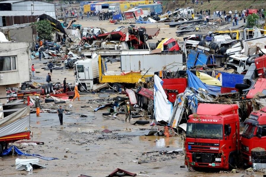 Наводнение в Турции из-за сильных проливных дождей