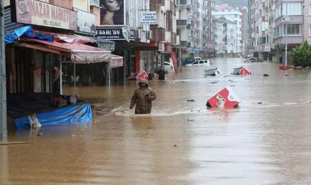 Наводнение на Чёрном море Турции: 6 погибших и 2-е пропавших без вести.