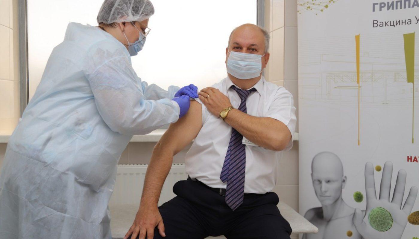 Как происходит вакцинация от коронавируса в Москве