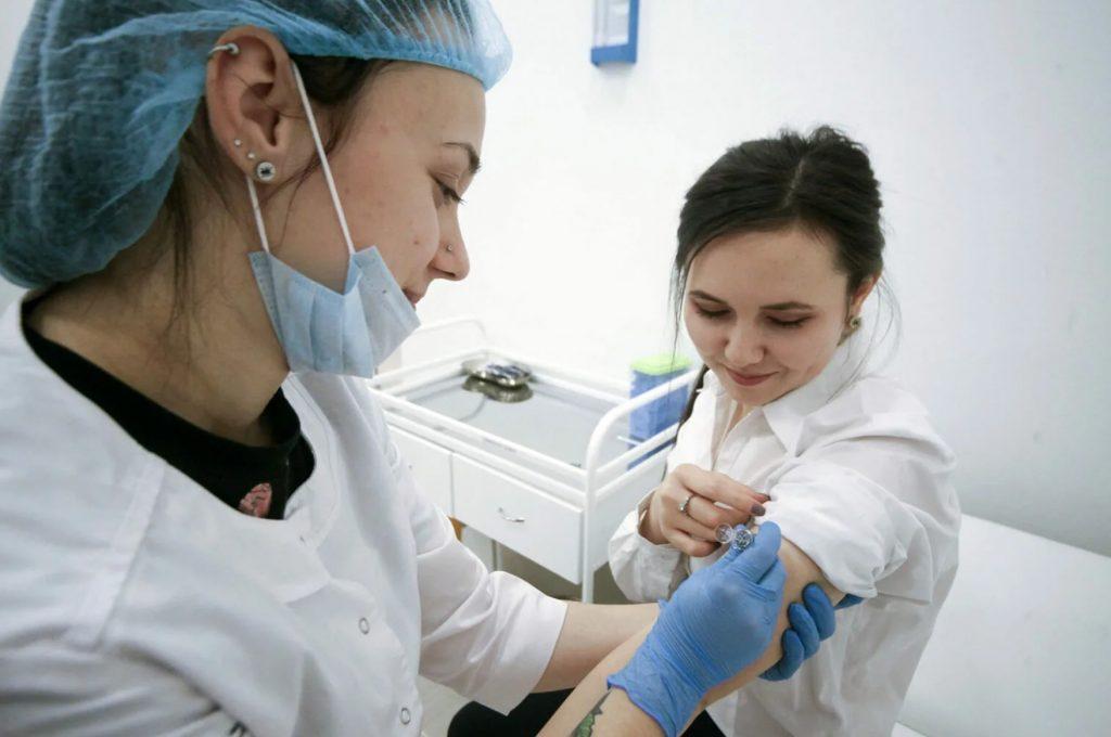Вакцинация от коронавируса в Москве без прописки
